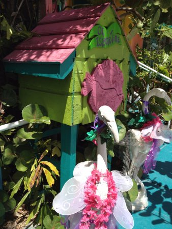 Placida, FL: Whimsical entryway to Albritton Gallery