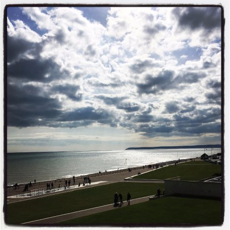 Bexhill-on-Sea, UK: View from the main staircase out to sea towards Eastbourne