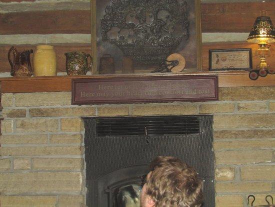 McGregor, IA: Small fireplace