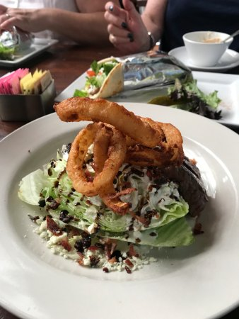 Weaverville, Carolina del Norte: Steak wedge salad