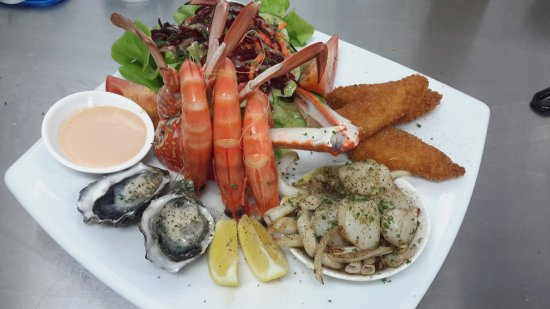 The Black Cockatoo Cafe and Bar: Seafood Platter with local seafood.