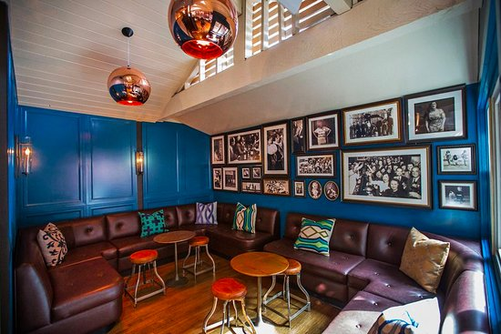 Magnolia House: Indoor Lounge Area