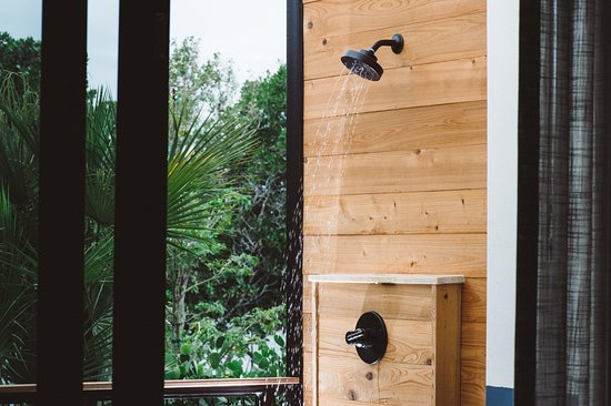 The Perry Hotel Key West Mangrove Room S Outdoor Shower