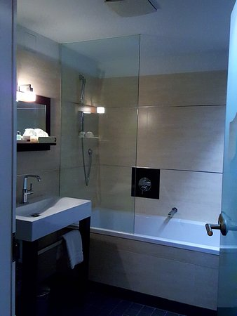 bathroom room 5 picture of adele designhotel berlin berlin