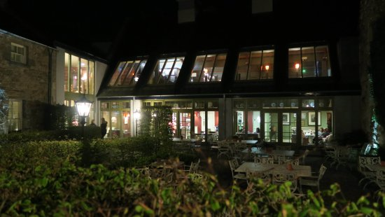 Glaslough, Irlanda: The Lodge with Snaffles Restaurant on 1st floor