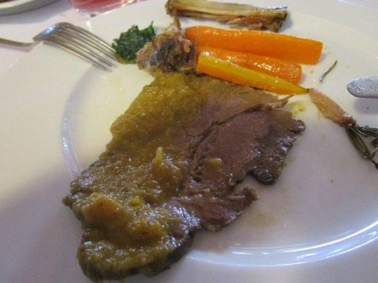 Cortemilia, Italia: Arrosto con carote
