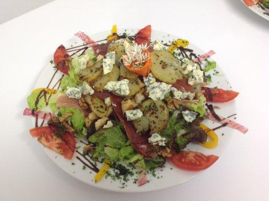 Sainte-Enimie, Frankrig: La salade causse