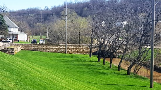 Galena, IL: town side of the park looking North