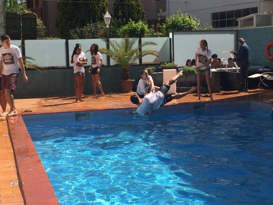 Tuffi in piscina pasqua 2017 foto di ardea hotel - Piscina limbiate prezzi 2017 ...