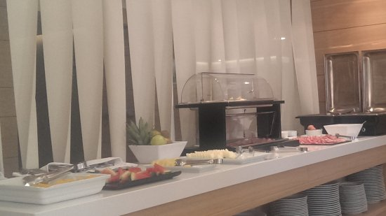 Hotel Gelmirez: Buffet desayuno