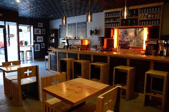 Valparaiso, IN: bar seating