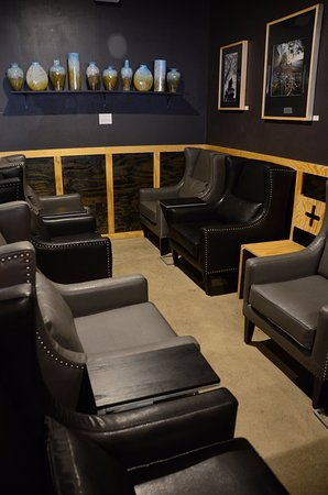 Valparaiso, IN: comfy lounge