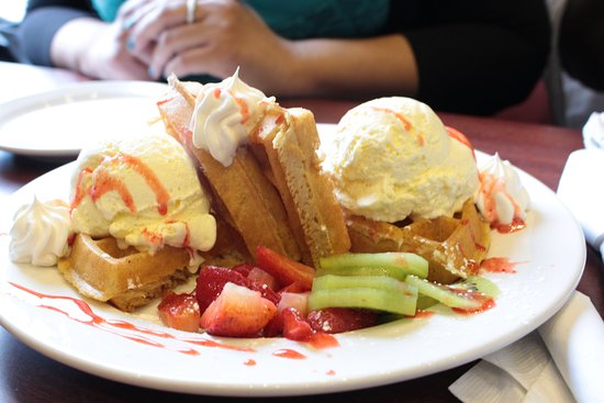 Ajax, Canada: Waffles ice cream with fruit and whipped cream!!! Delicoius!