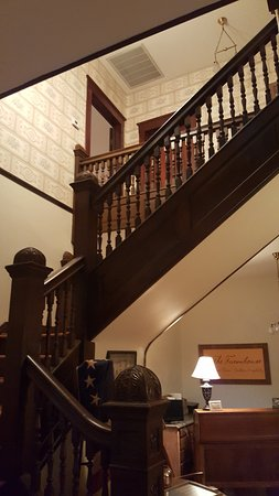 Centerville, TN: Staircase from France