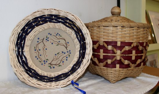 ‪‪New Harbor‬, ‪Maine‬: Dot Hutchins' baskets are woven with rattan reed.‬