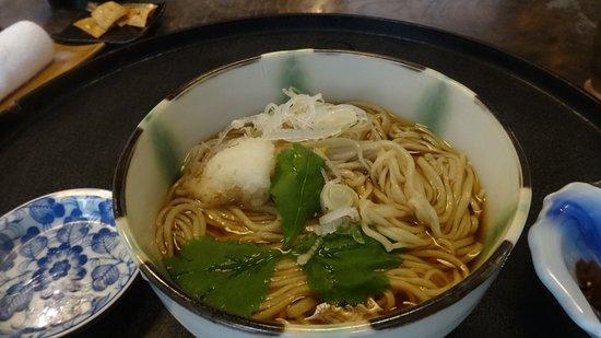 Chikuma, Japonia: 温かい蕎麦