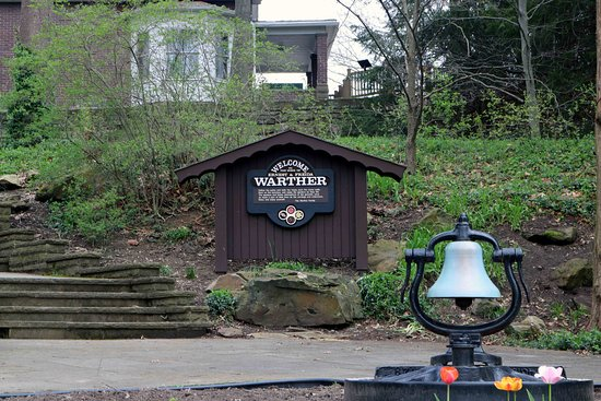 Dover, OH: Welcome to the Warther Grounds