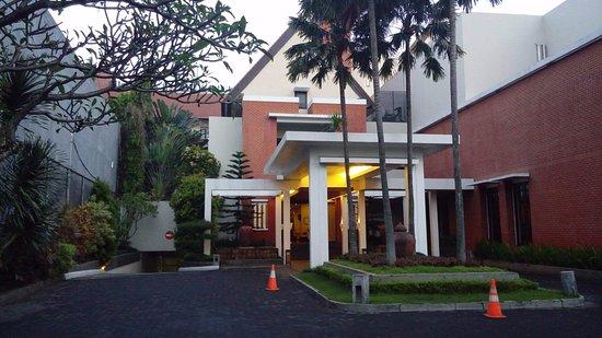 Tampak Depan Picture Of Hotel Santika Premiere Malang Tripadvisor