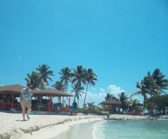 Belize Cruise Excursions - Goff's Caye Beach and Snorkeling Tour : small Caye with shade if wanted