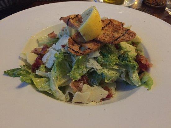 Vineland, Canada: Caesar salad