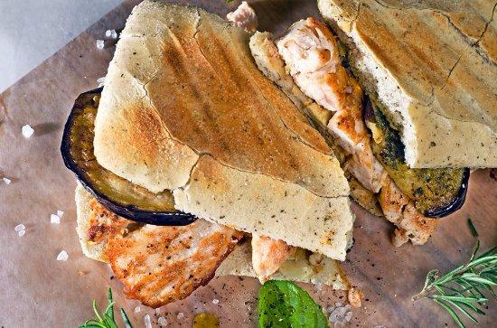 Ciudad Victoria, México: Panino Campagnolo, con pollo a plancha, berenjena y un toque de pesto