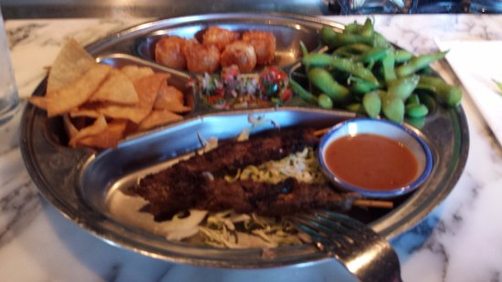 Bangkok City: Love their appetizer platter