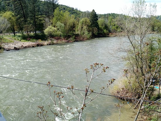 Coloma, Kalifornia: American River April 2017