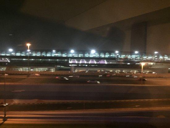 Premier Inn Dubai International Airport Hotel: photo0.jpg