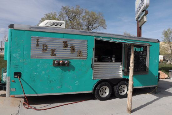 Cannonville, Utah: i.d.k. barbecue - food truck in Cannonville