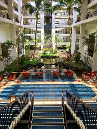 atrium nightly music and hula here picture of mauna lani bay hotel bungalows puako. Black Bedroom Furniture Sets. Home Design Ideas