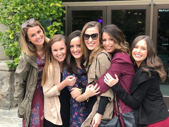 A Limo Excursion & Wine Tours: Girls Just wanna have fun!