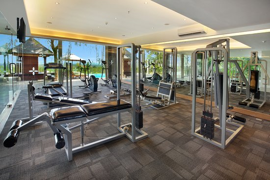 Meeting room picture of golden tulip bay view hotel and for Ceresio 7 gym spa