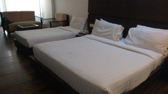Springs Hotel & Spa: IMG_20170418_065318_large.jpg