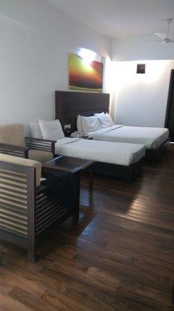 Springs Hotel & Spa: IMG_20170418_065442_large.jpg