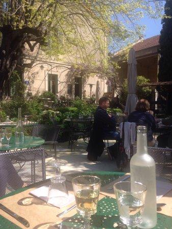 Photo de restaurant le jardin du quai l 39 isle for Cafe du jardin london