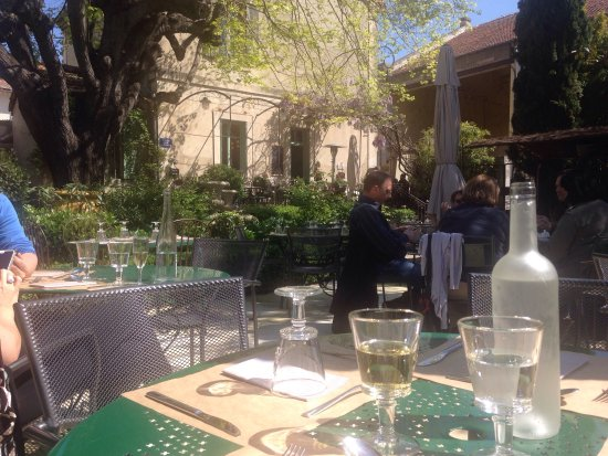 Photo de restaurant le jardin du quai l 39 isle for Cafe du jardin london