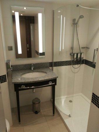 Fajna łazienka Picture Of Hampton By Hilton Krakow