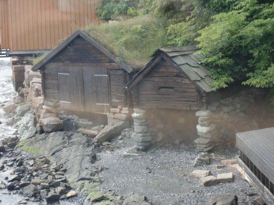 Norsk Maritimt Museum: Старые рыбацкие сараи для лодок