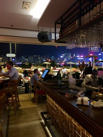 Spasso Italian Bar & Restaurant: La Famille Carolus Avril 2017