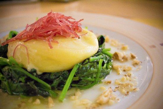 La Bottega Degli Antichi Sapori - Le Bar a Vin: Tomino alla piastra con spinaci saltati e sfilaccini di Mocetta