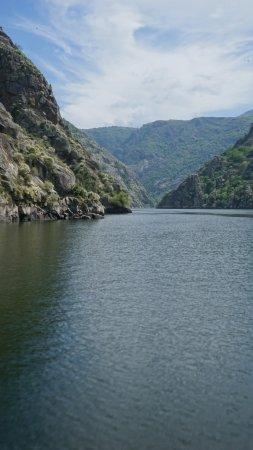 Province of Ourense, Spanien: Una de las vistas espectaculares del río