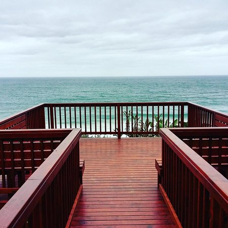 Pennington, Sør-Afrika: The new Whale Watching deck at Umdoni Golf Club - views forever...
