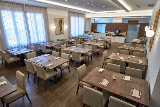 Hotel Centrale: Breakfast Room