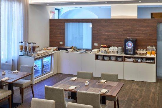 Hotel Centrale: Breakfast