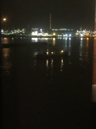 Vlaardingen, Ολλανδία: vue sur le port la nuit