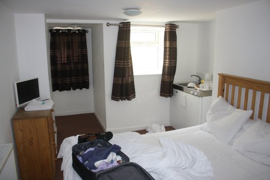 Lulsgate, UK: first room, sleeps 2. With mini-kitchen.