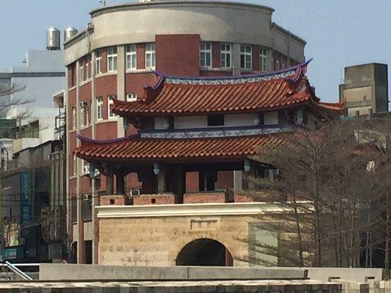 Χσιντσού, Ταϊβάν: 東門外観