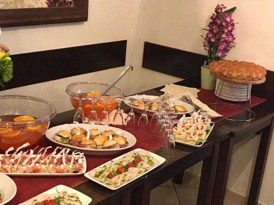 Popolare Banchetto aperitivo per festa di compleanno - Picture of La  LQ65