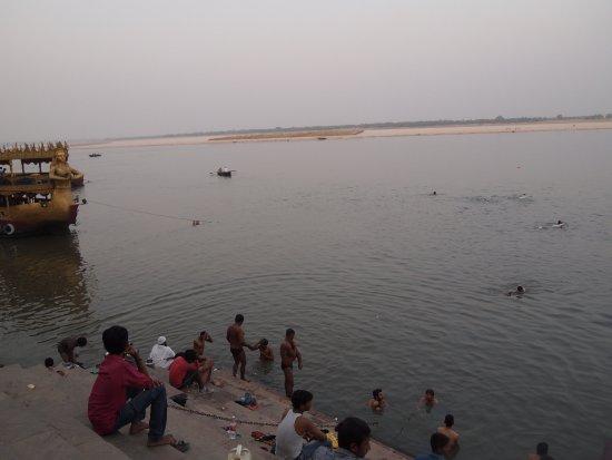 Palace on Ganges: photo1.jpg
