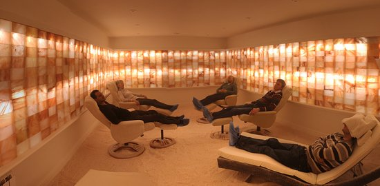 Kenilworth, UK: A salt therapy session in progress in our main suite.
